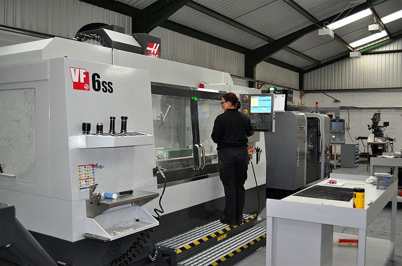 CNC machine- airfoil-manufacturing